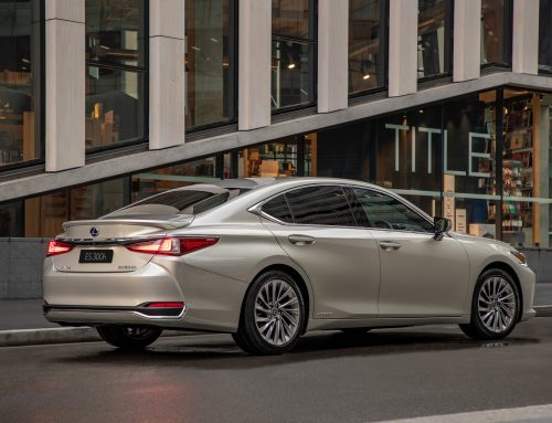 why buy LEXUS ES 300h in our Video drive Review